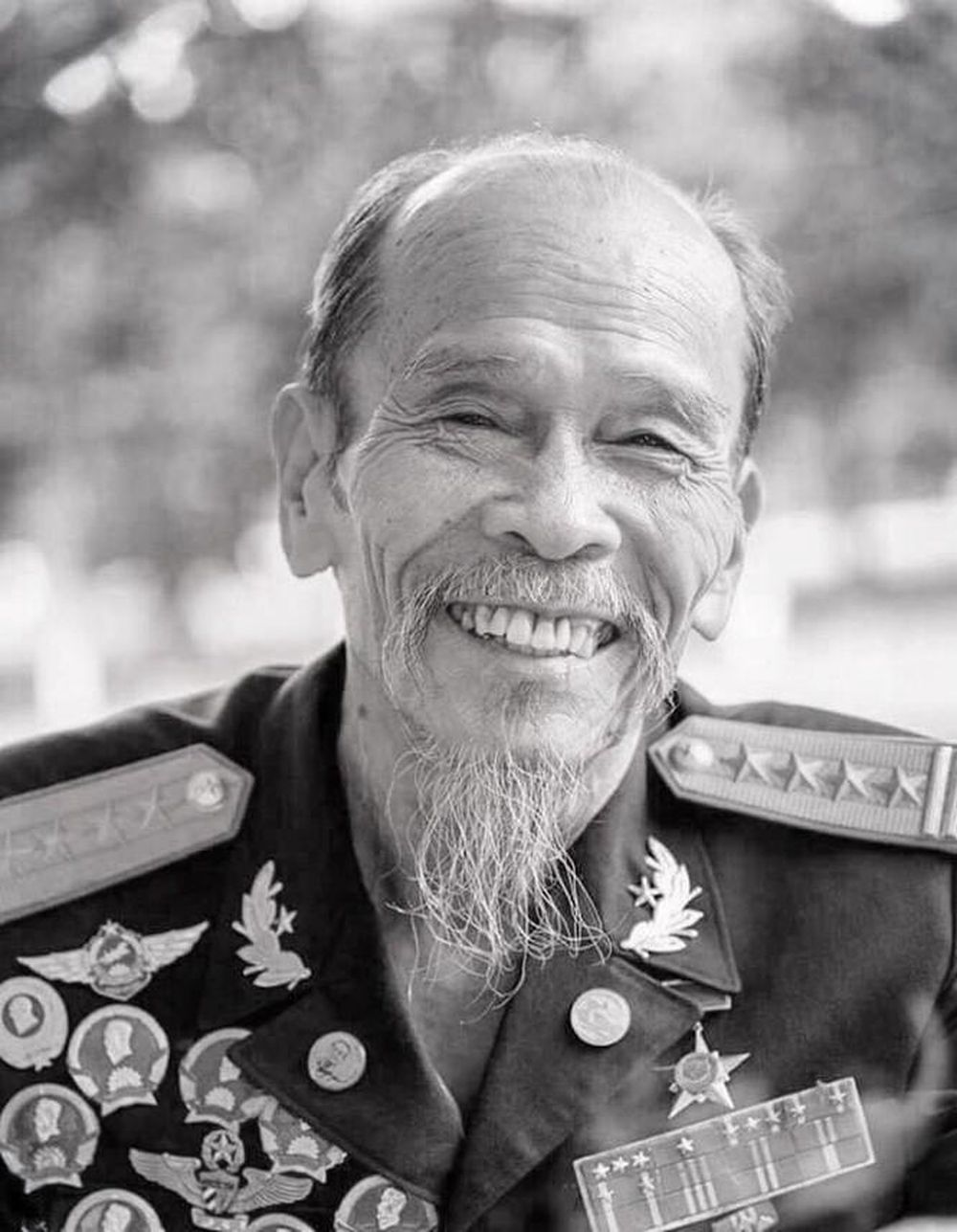 Anh hùng phi công Nguyễn Văn Bảy - người có cuộc đời gắn liền với ...