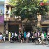 Hà Nội: Người dân xếp hàng dài mua bánh Trung thu