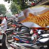 Phố bánh Trung thu truyền thống hút khách, bánh thương hiệu nổi tiếng 'vắng như chùa Bà Đanh'