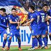 Viết trên trang AFF Cup, nhà báo Scott McIntyre có bài bình luận về việc tuyển Thái Lan thiếu vắng những ngôi sao đang thi đấu ở nước ngoài sẽ ảnh hưởng như thế nào đến cơ hội của những quốc gia khác.