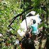 Xe chở đội bóng lao xuống vách núi, 18 người thương vong