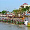 Đua ghe Ngo ở Trà Vinh thu hút đông đảo người xem