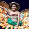 Váy 'bánh mì' tỏa sáng cùng trang phục dân tộc rực rỡ