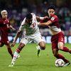 HLV Sirisak Yodyardthai lạc quan trước viễn cảnh Thái Lan đánh bại Trung Quốc để góp mặt tại tứ kết Asian Cup.