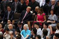Chùm ảnh: TT Trump và phu nhân xem đấu Sumo ở Nhật Bản