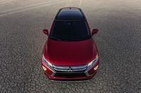 Crossover 5 chỗ Mitsubishi Eclipse Cross mới từ 658 triệu đồng