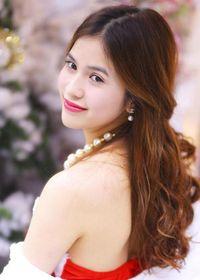 Trần Hương gợi cảm thế này, Việt Anh ly hôn liệu có tiếc?