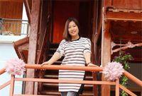 Hòa Bình: Người đẹp Mai Châu về bản trồng thung lũng hoa để 'câu' khách