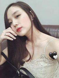 Vợ Hoài Lâm được khen về ngoại hình sau 2 lần sinh con ở tuổi 23