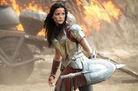 Taika Waititi giải thích lý do Natalie Portman trở lại trong Thor: Love and Thunder