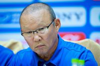 Tại sao HLV Park muốn thủ môn Incheon tiếp tục thi đấu dù nhận thẻ đỏ?
