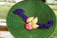 Độc đáo nón lá sen xứ Huế