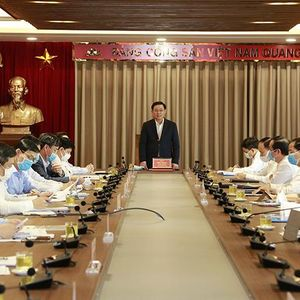 Bí thư Thành ủy Vương Đình Huệ: Cần sớm đưa đường sắt Cát Linh - Hà Đông vào vận hành để giảm tổn thất