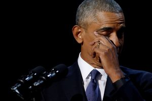Từ biệt, Obama nghẹn ngào cảm ơn sự ủng hộ của vợ và các con