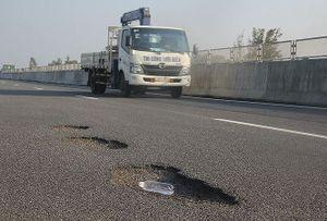 Hé lộ khoản nợ hơn 60.146 tỷ của chủ đầu tư đường cao tốc vừa thông xe đã thủng lỗ chỗ
