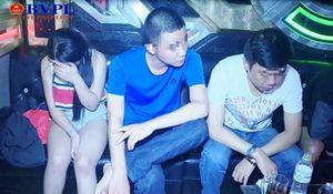 Phê chuẩn khởi tố, tạm giam chủ quán Karaoke sắp xếp phòng 'bay' cho khách sử dụng ma túy