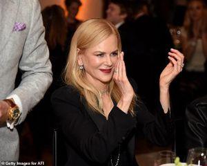 'Thiên nga' Nicole Kidman đẹp mặn mà với vest thanh lịch tại sự kiện