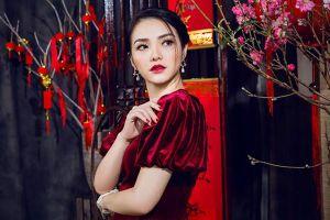 Hồng Kim Hạnh đẹp xuất thần cùng bác sỹ Cao Duy trong áo dài nhung