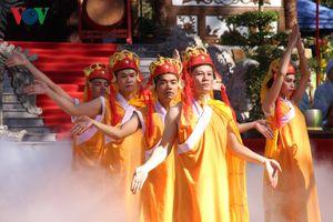 Lễ hội Đền Huyền Trân thu hút người dân và du khách ở Thừa Thiên-Huế