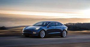 Ô tô Tesla lần đầu ra khỏi danh sách nên mua tại Mỹ