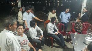 Cứu 12 ngư dân Quảng Trị trên tàu cá bị cháy