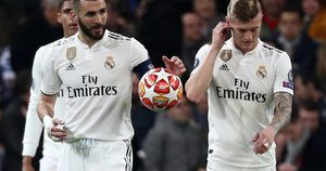 Vì sao Real Madrid 'trắng tay' mùa này?
