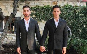 Chàng 'hoàng tử' điển trai nhà Netflix, Antoni Porowski: 'Tôi không hề xấu hổ về giới tính của mình'