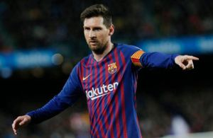 Barca bỏ cách Atletico Madrid 11 điểm sau trận thắng 2-0