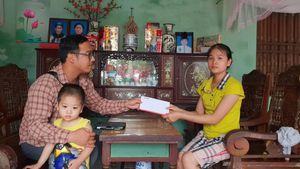Báo Giao thông trao quà hỗ trợ gia đình nạn nhân TNGT ở Hưng Yên
