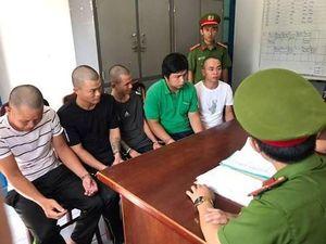 Băng nhóm 'bảo kê sầu riêng' thuê xe chặn đường thương lái