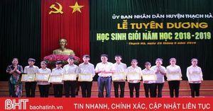 Các địa phương Hà Tĩnh tuyên dương học sinh giỏi