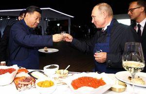 Chủ tịch Trung Quốc Tập Cận Bình thăm Nga: Đối thủ của đối thủ có là bạn ?