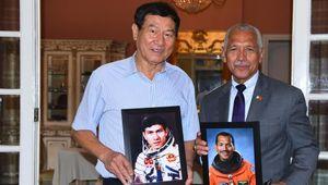 Cựu giám đốc NASA gặp nhà du hành Phạm Tuân