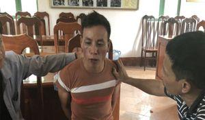 Bắt kẻ đi xe máy vận chuyển 10 bánh heroin ở Điện Biên