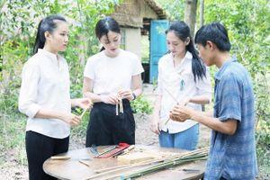 Thí sinh Miss World Việt Nam kêu gọi hạn chế dùng rác thải nhựa