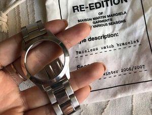 Đồng hồ không mặt cháy hàng 'trong một nốt nhạc' vì quá độc lạ