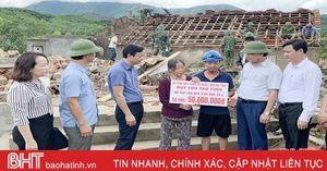 MTTQ Hà Tĩnh trao 132 triệu đồng hỗ trợ người dân thiệt hại do bão