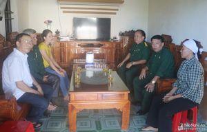 Thăm hỏi gia đình có 2 thuyền viên mất tích ở Quỳnh Lưu
