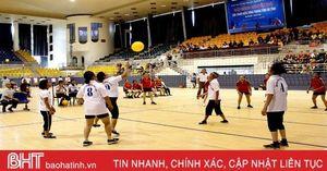 200 VĐV tham gia Giải bóng chuyền hơi Hội Cựu thanh niên xung phong Hà Tĩnh