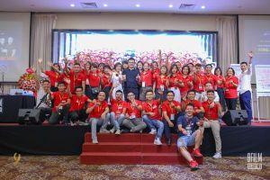 Đạo diễn Nguyễn Hoàng Vũ với sự kiện video marketing 2000 người
