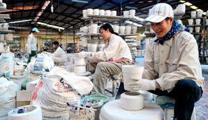 Sản phẩm công nghiệp chủ lực: Vẫn khó 'chen chân' vào chuỗi sản xuất lớn
