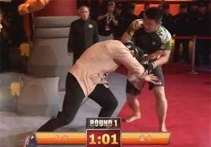 Từ Hiểu Đông hả hê khi đối thủ cũ Đinh Hạo bị đánh ngất xỉu