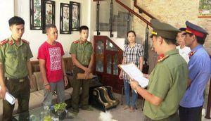 Thừa Thiên - Huế: Khởi tố 7 hướng dẫn viên du lịch dùng bằng giả xin cấp thẻ hành nghề