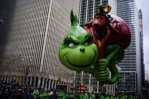 New York tưng bừng diễu hành bóng bay Pikachu, Son Goku dịp lễ Tạ ơn