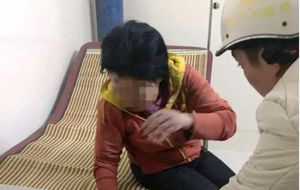 Bắt giữ người đàn ông 38 tuổi ghen, đánh 'người tình' 51 tuổi