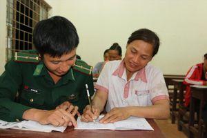 'Đổi đời' cho dân từ dạy chữ