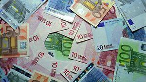 Tỷ giá ngoại tệ ngày 3/12, USD giảm mạnh, cuộc đua tiền tệ tiếp tục