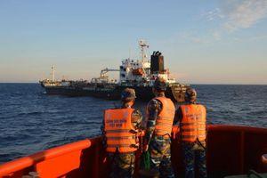 Chuyện cảnh sát biển bắt xăng dầu lậu