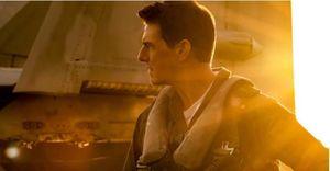 Tom Cruise 'bay lượn' ngoạn mục trong trailer 'Top Gun: Maverick'