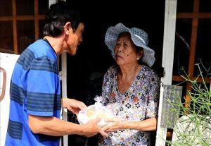 Giáo xứ Tân An chăm lo cho người nghèo